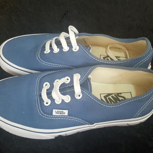 Womans/ Mens Blue Converse Lace up Shoes.
