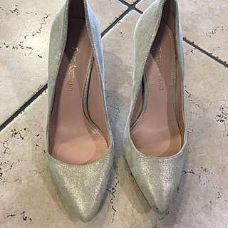 Nine West Shoes Gold