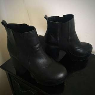 Rubi Black Leather Boots
