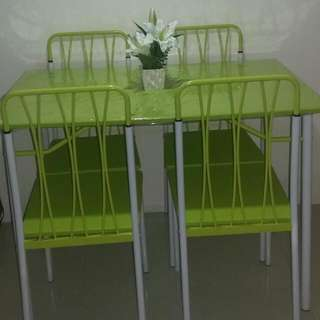 Dining set, 1 table with 4 chairs. Brand New.