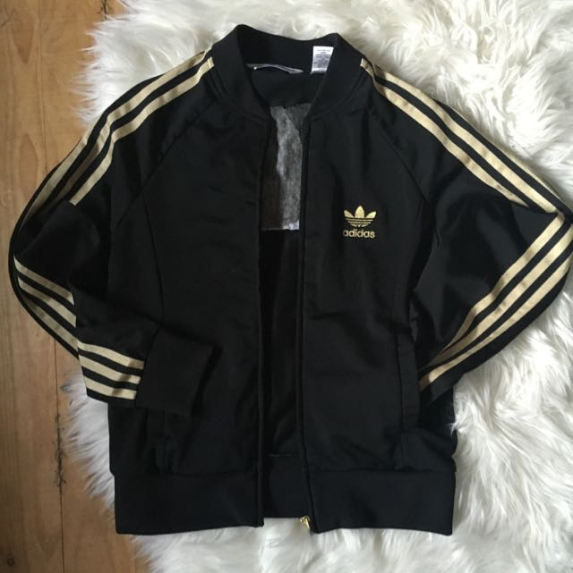 *PENDING* 100% authentic adidas jacket