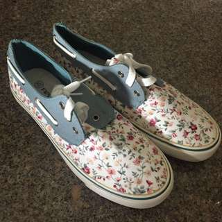 [BN] Floral Slip-On Shoes (Size 39)