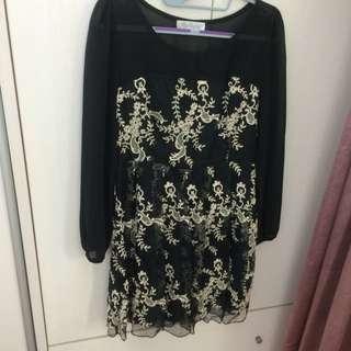 黑色雪紡刺繡洋裝