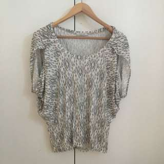 Country Road Batwing Top Size M