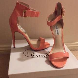 BRAND NEW Steve Madden heels