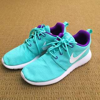 Nike Roshe Run in Turquoise and Purple