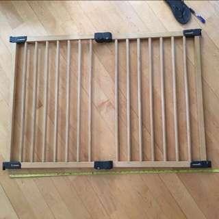 伸縮防水木圍欄(可自由調較長短)