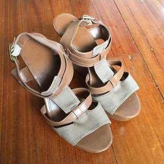 Khaki Wedge Sandal By Charles & Keith