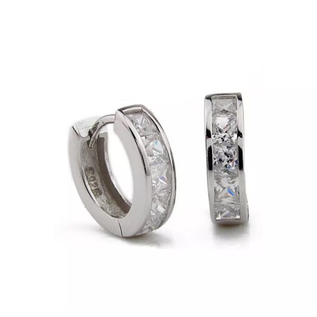 925 Sterling Silver Plated Zirconia Huggie For Both Man And Women
