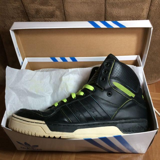 adidas中筒大舌鞋