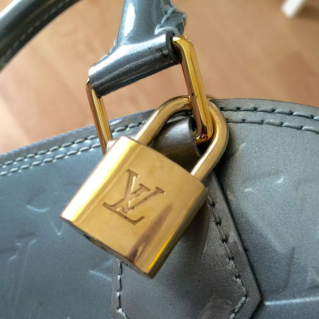 Auth Louis Vuitton Alma BB Monogram Givre