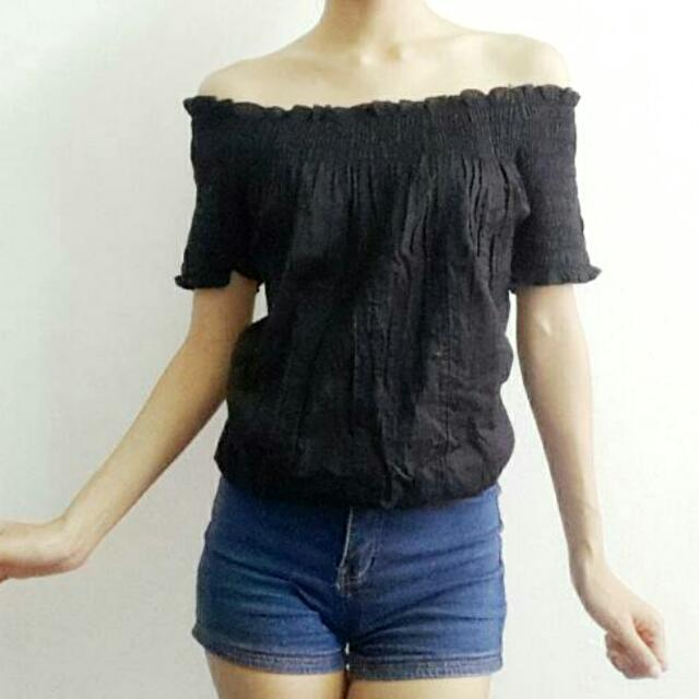 Black off-shoulder Top S - XL