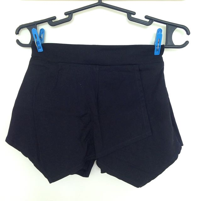 Black Origami Short
