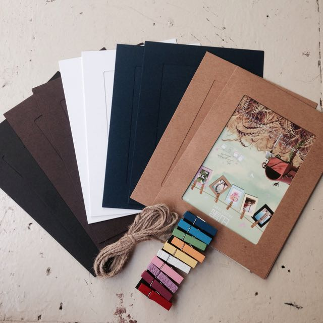 Boring and plain walls?  Make it beautiful through this hanging frames. 10pcs. frames 10pcs. Clips For 4r 4x6 photo  100 only  Pm/sms/viber 09432992862