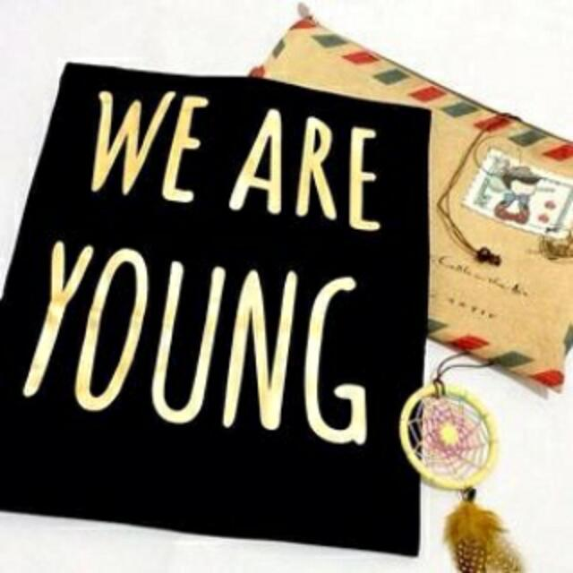 Kaos Tshirt We R Young