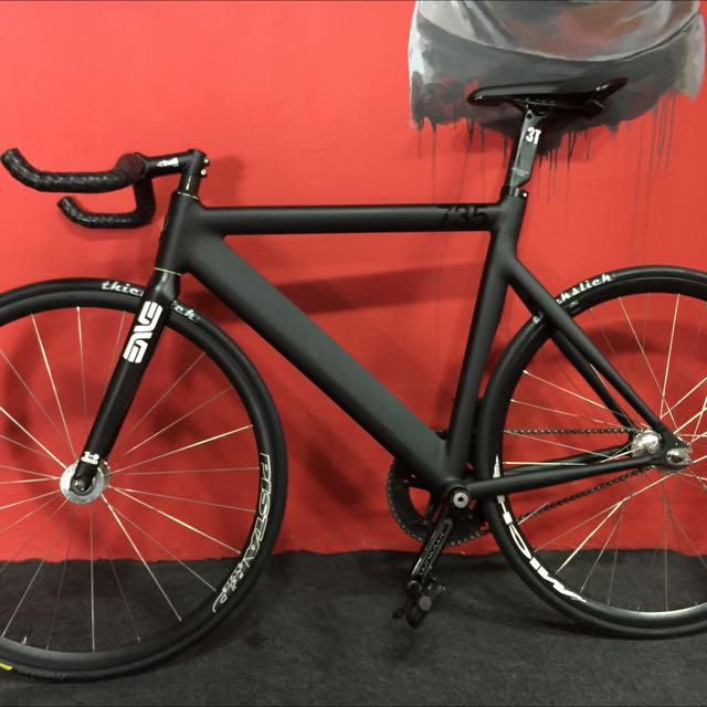 Leader 735 Fixed Gear Bike / Fixie, Sports, Bicycles on Carousell