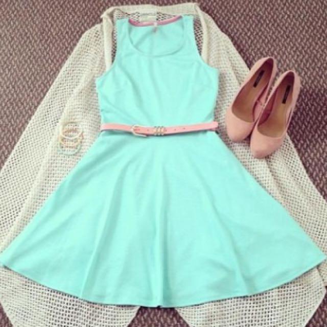 FOREVER 21 Mint Dress