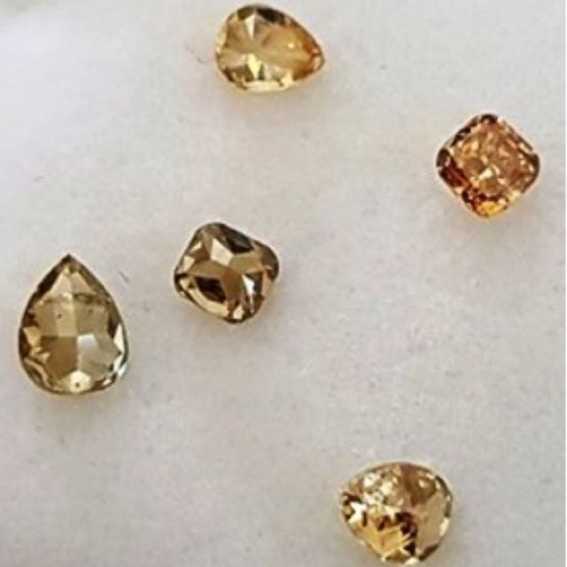 Natural Diamonds With Valuation