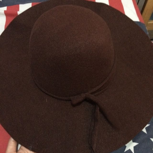 PRELOVED BEACH HAT