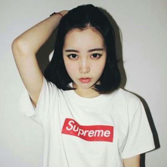 Supreme黑T/白T