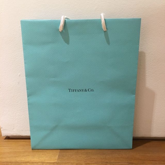 ec16913038 Tiffany and Co. paper bag, Design & Craft, Craft Supplies & Tools on  Carousell
