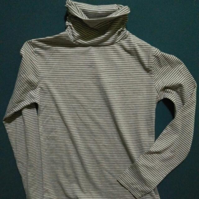 Turtle Neck Long Sleeves