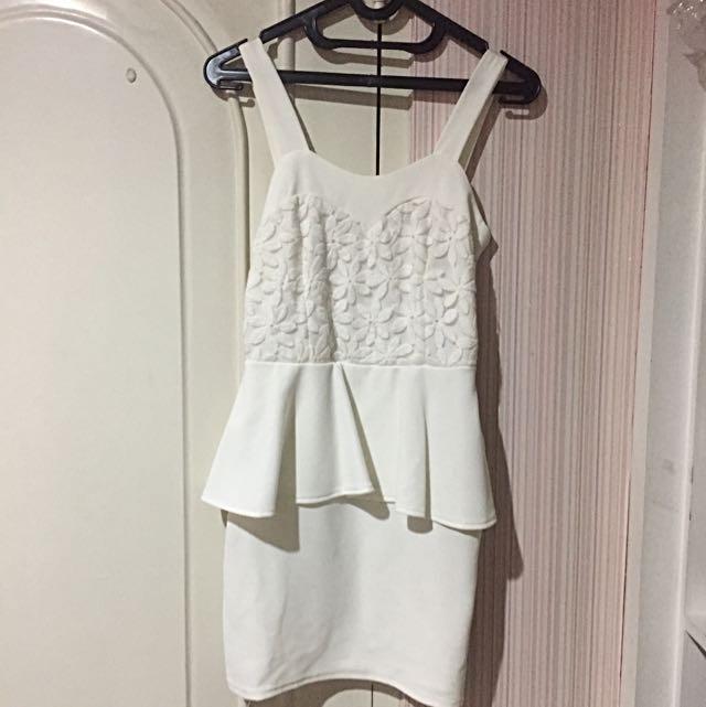 White Dress Mini