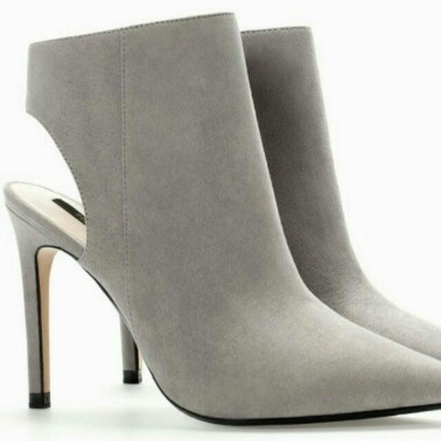 ZARA Suede Booties Size 9 - Grey