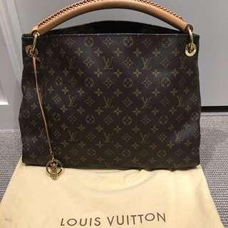 Preloved Authentic Louis Vuitton Artsy Monogram