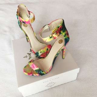 ZU Printed High Heel