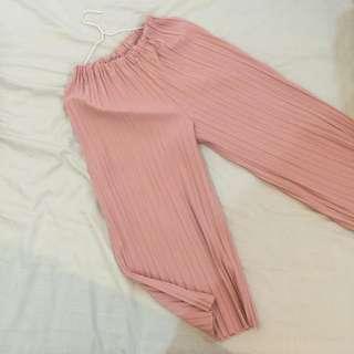 粉紅百摺寬褲