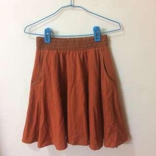 Quarter 磚紅色傘狀裙