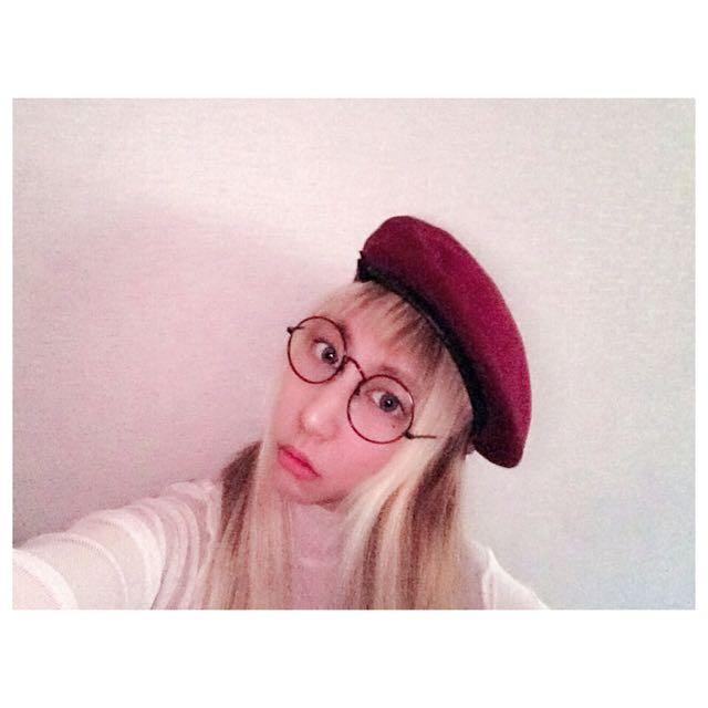 泰國帶我來的貝雷帽只適合頭圍小的妹妹們喲