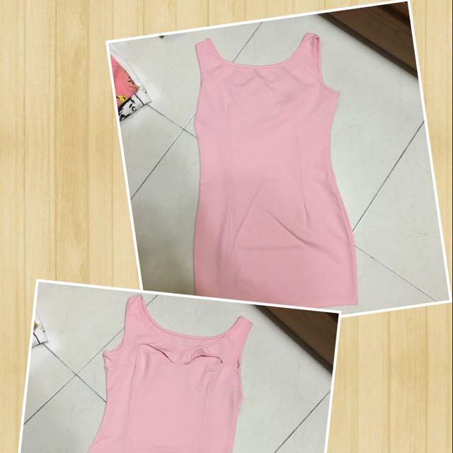 粉色合身洋裝