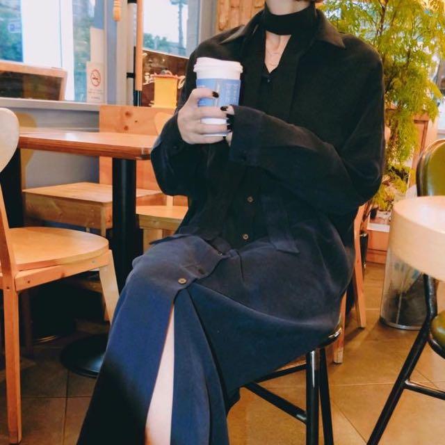 靛藍長襯衫