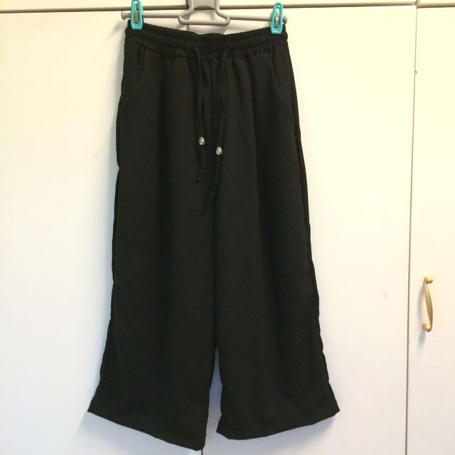 黑色闊腳褲