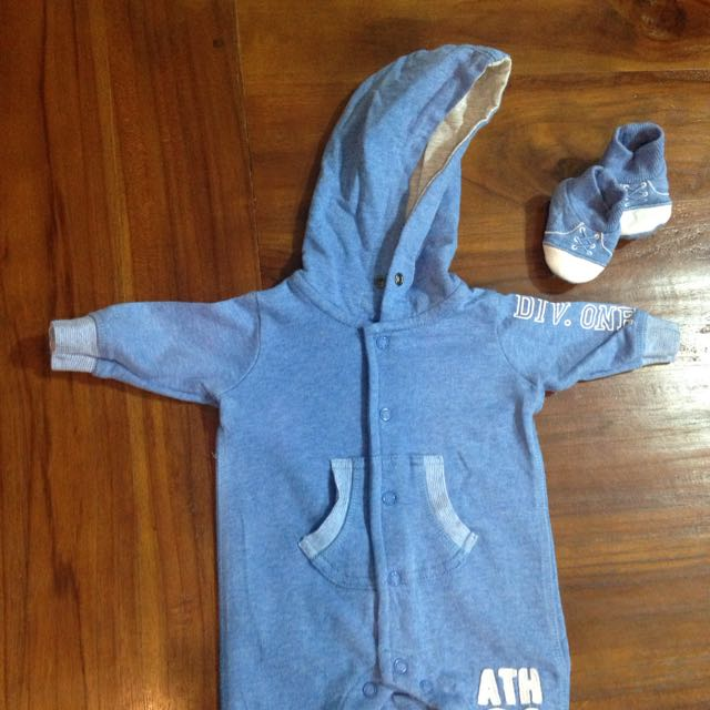 Boys Hooded Outfit With Booties