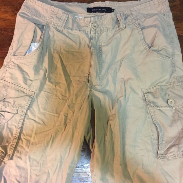 Calvin Klein卡其五分褲,買太大,低價出清880