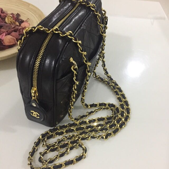 1325e4419298 ( Sold ) CHANEL Double Gold Chain Camera Tote Bag. Lovely Vintage Condition  ! Very Shiny Gold Hardware ! GOOD CONDITION !
