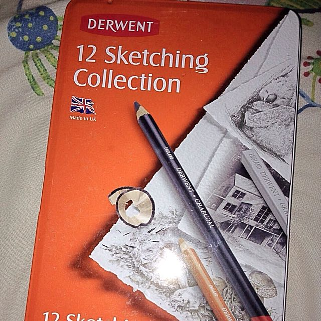 DERWENT 12 SKETCHING COLLECTION