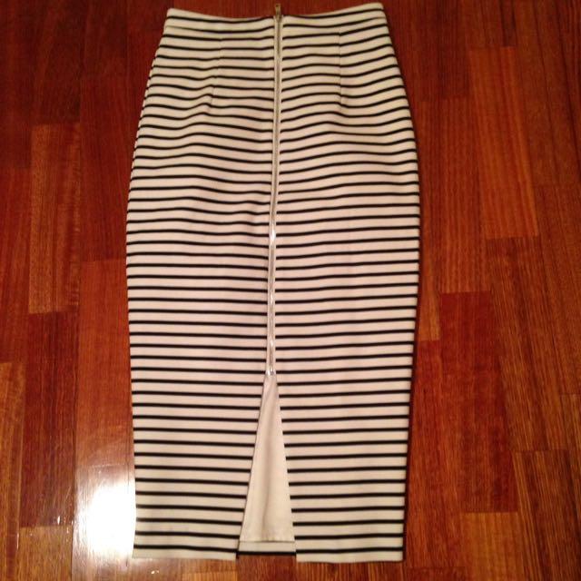 Pencil Skirt Forever New