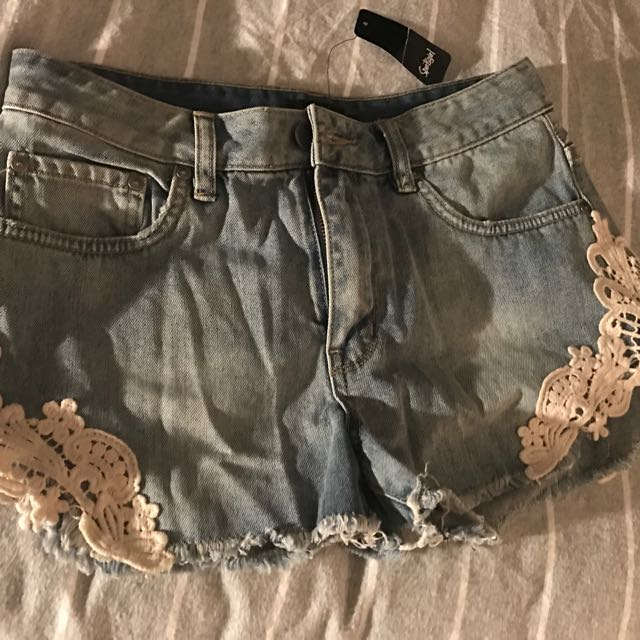 Sportsgirl Mini Denim Shorts / Size 10 New With Tags
