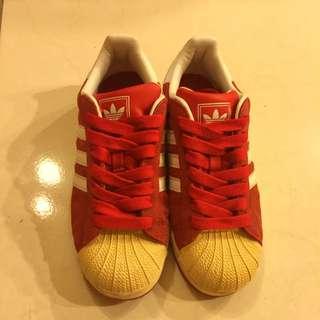 ADIDAS愛迪達復古奶油貝殼板鞋(紅·麂皮)
