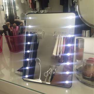 LED Lighted Portable Mirror Tabletop + FREE SHIPPING + LIMITED TIME!