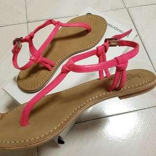 BNIB Betts Leather Sandals