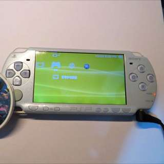 粉藍Psp 2000機