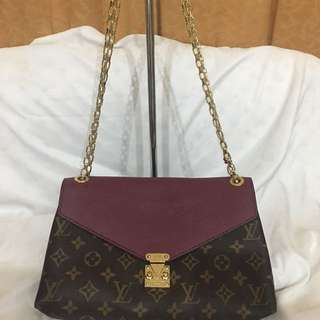 Louis Vuitton Pallas Chain Purple