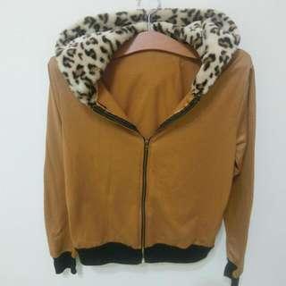 假皮外豹紋外套