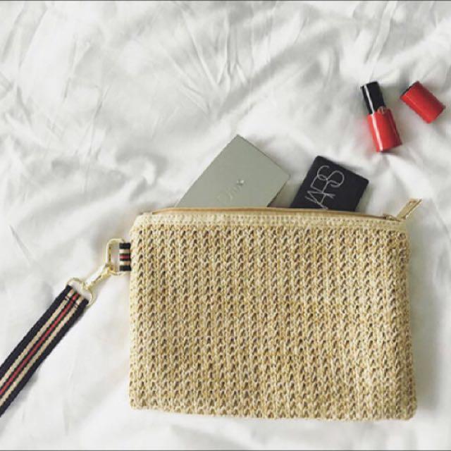 韓國草編手拿包三色拉繩 拉鍊化妝包😝
