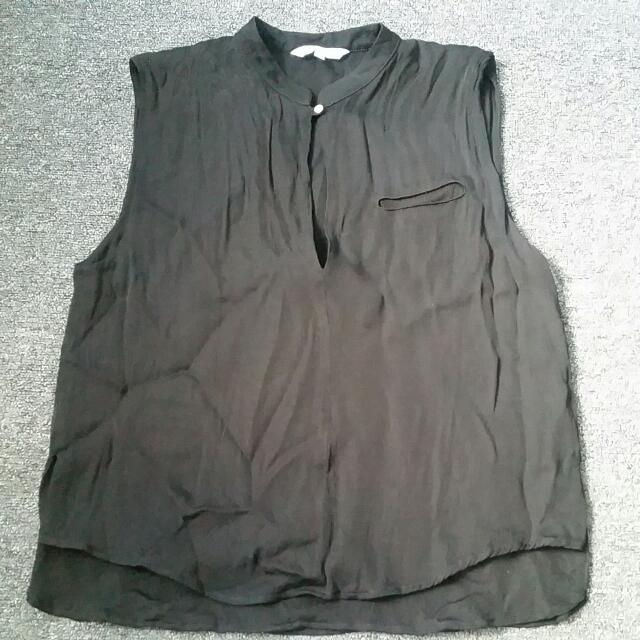 Black Blouse With Keyhole feature Eur 38